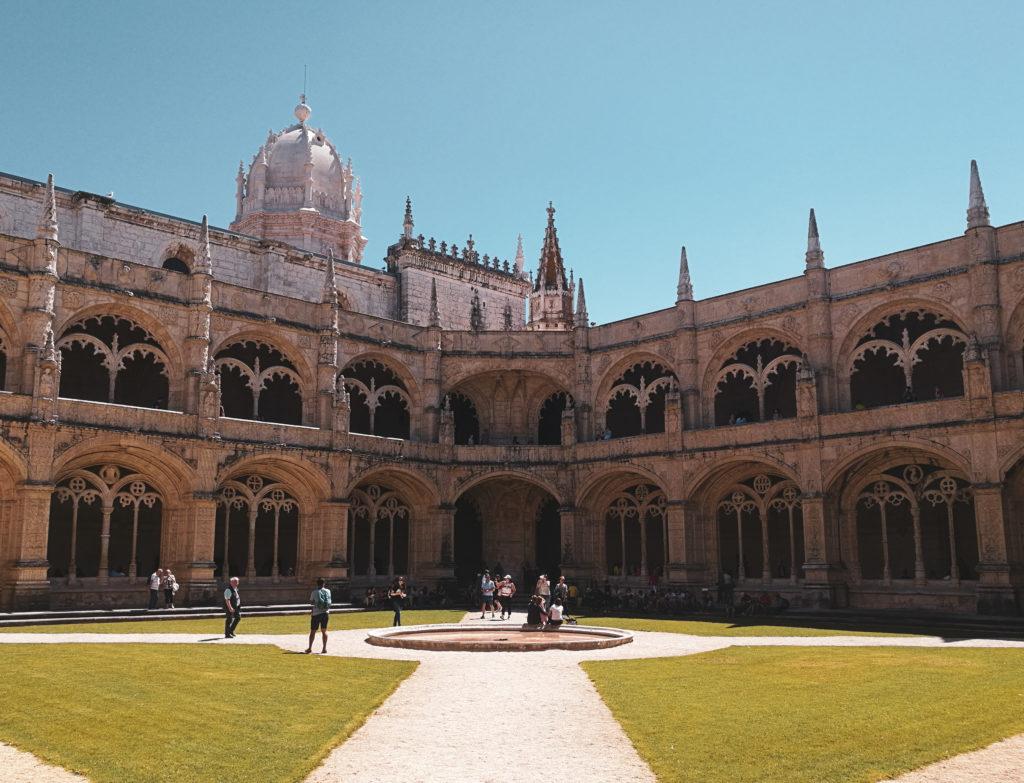 Mosteiro dos Jeronimos photo monastere quartier Belem Lisbonne