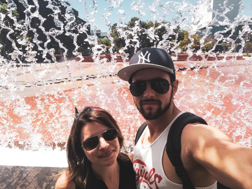 couple fontaine parque das nacoes lisbonne