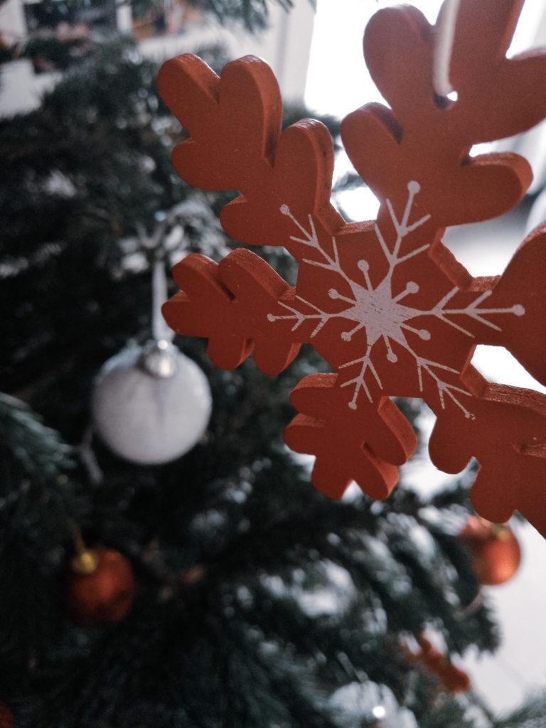 Noel blog décoration boule noel forme étoile rouge