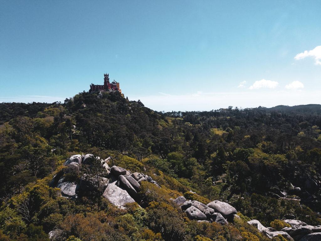 Vue sur palacio da pena Castelo dos mouros sintra lisbonne