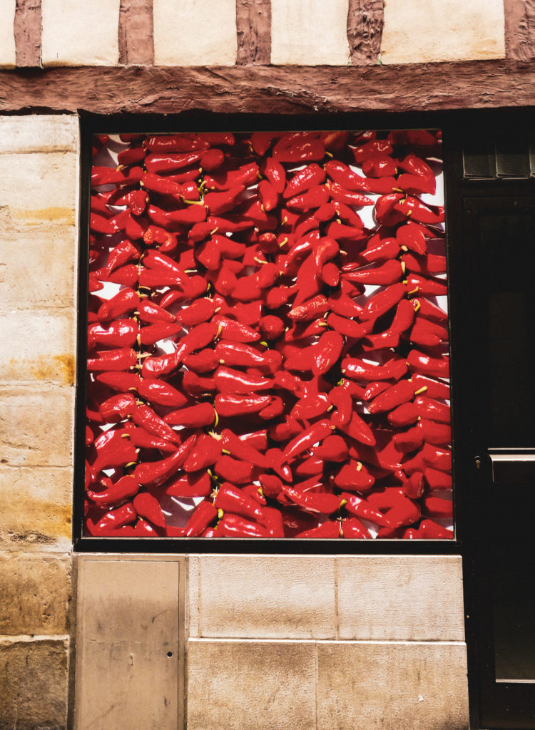 weekend pays basque bayonne tableau piment