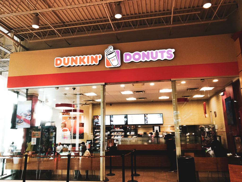 devanture dunkin donuts new york