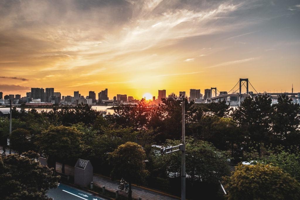 Ile odaiba à Tokyo coucher de soleil