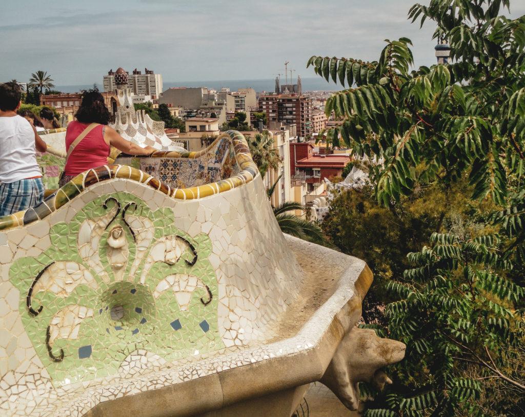 Barcelone parc guell- balustrade-vue