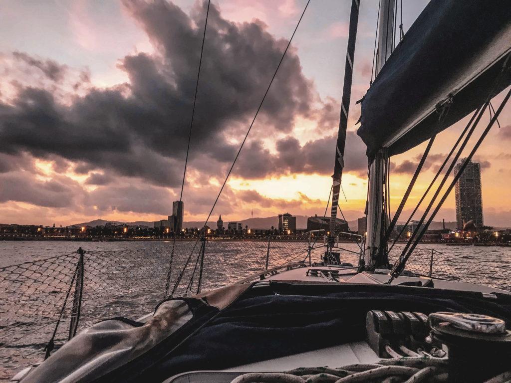 Barcelone tour en bateau evjf coup de coeur coucher de soleil