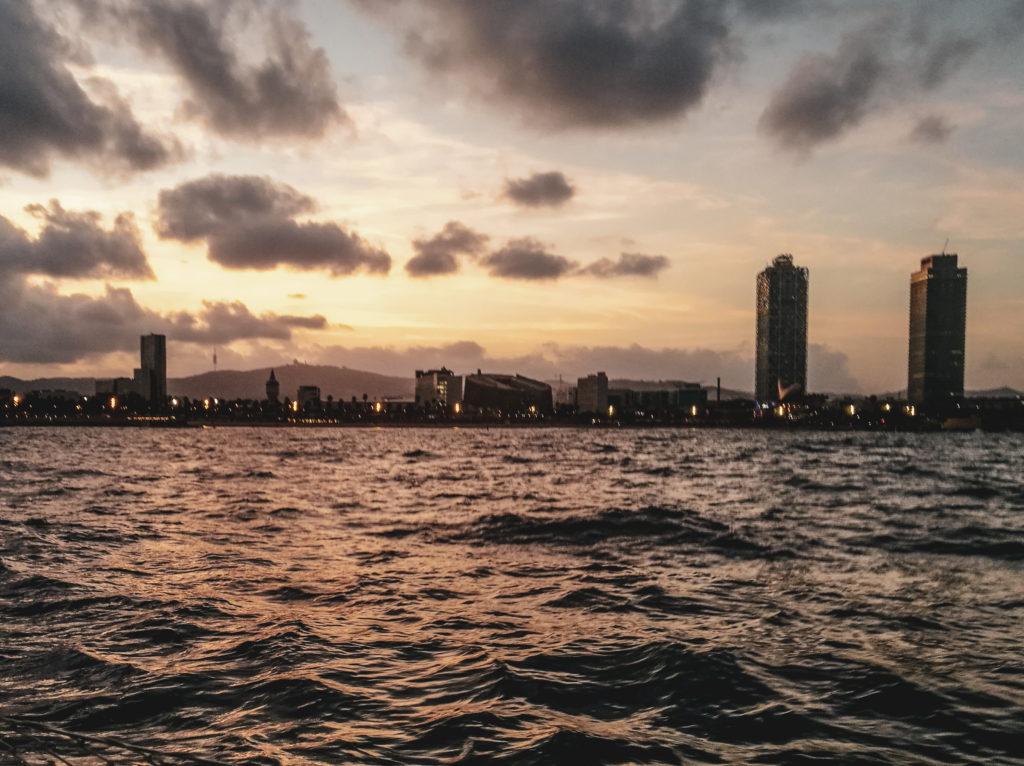 Barcelone tour en bateau evjf coup de coeur