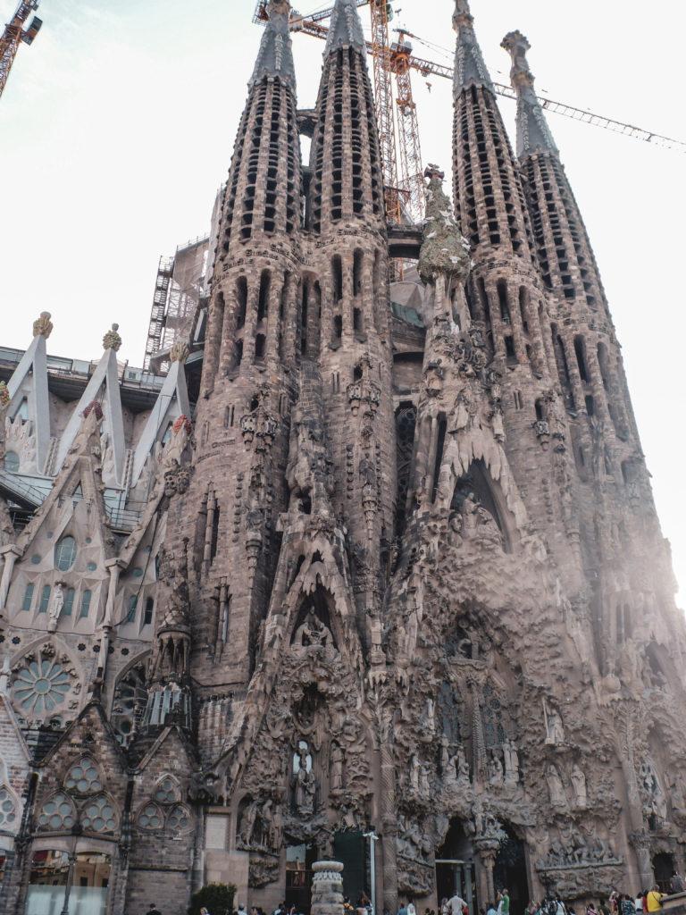 Oeuvre gaudi à Barcelone sagrada familia